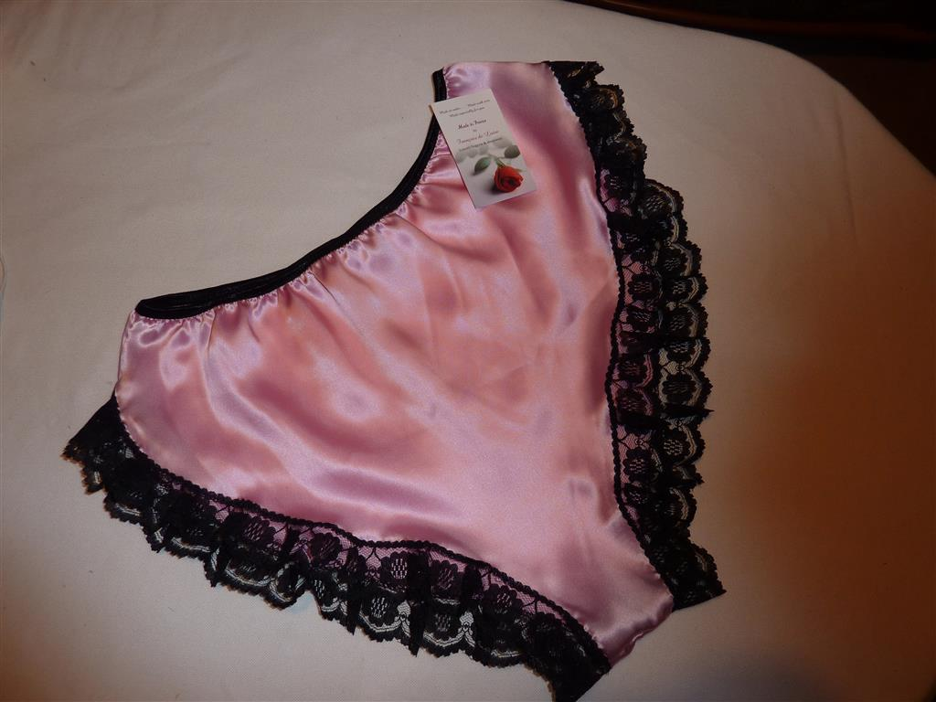 3f3bce2c5a2 Pale Pink satin and black lace Hi cut French kn.